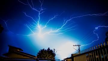 Meteorolodzy alarmują: nadciągają gwałtowne nawałnice z gradem, od poniedziałku upał