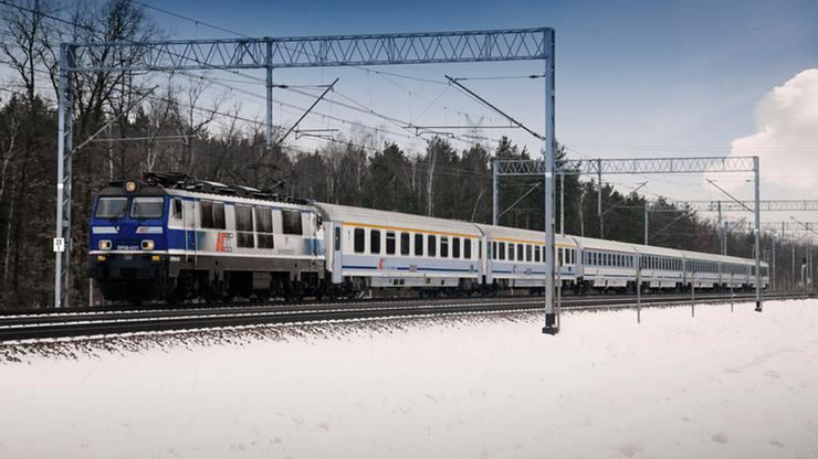 Spóźnienia pociągów. Dalekobieżne i regionalne składy opóźnione o nawet 200 minut