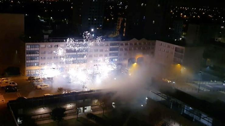 Atak na komisariat we Francji. Budynek ostrzelano fajerwerkami