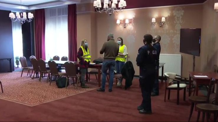Kontrola policji i sanepidu w hotelu w Międzyzdrojach