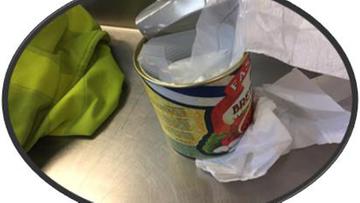 Polki przemycały amfetaminę ukrytą w puszkach po konserwach